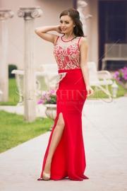 rochii rosii lungi de seara