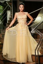 rochii de nunta lungi cu trena