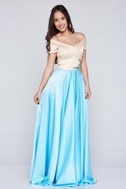 rochie de ocazie brodata albastra-deschis din material satinat