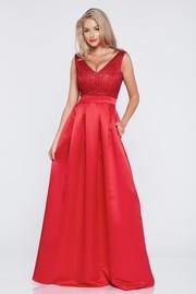 rochie de ocazie lunga in clos rosie cu decolteu