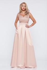 rochie de ocazie lunga in clos roz cu decolteu