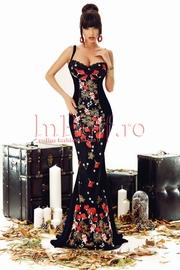 rochie de seara neagra cu broderie florala