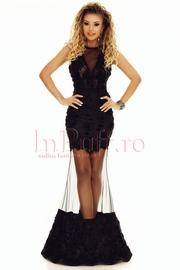 rochie de seara neagra cu detalii din tul negru