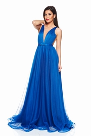rochie lunga albastra de lux din tul captusita pe interior cu decolteu in v