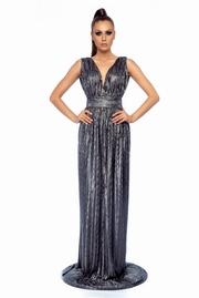rochie lunga argintie de ocazie cu decolteu cu aspect metalic