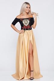 rochie lunga crem de ocazie brodata din material satinat