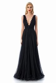 rochie lunga neagra de lux din tul captusita pe interior cu aplicatii de dantela
