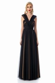 rochie lunga neagra de lux din tul captusita pe interior cu decolteu adanc