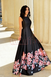 rochie lunga neagra din tafta cu imprimeu floral