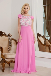 rochie lunga rosa de ocazie lunga in clos din voal cu flori in relief
