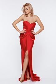 rochie lunga rosie de lux din material satinat cu push-up