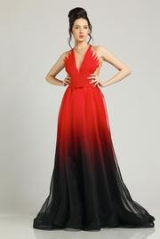 rochie lunga rosie de lux din voal cu decolteu captusita pe interior