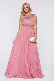 rochie lunga roz de ocazie brodata voal
