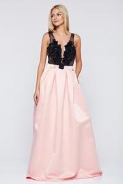 rochie lunga roz de ocazie in clos cu decolteu