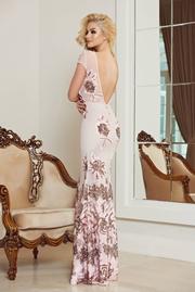 rochie lunga sirena roz cu spatele gol si aplicatii cu paiete