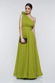 rochie lunga verde-deschis de ocazie din voal pe umar