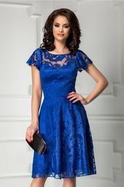 rochie scurta albastra din broderie de seara