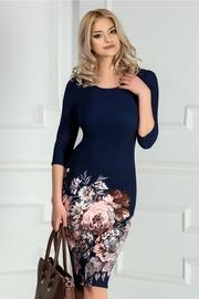 rochie scurta bleumarin cu imprimeu floral roz