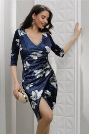 rochie scurta bleumarin din catifea cu imprimeuri florale albe