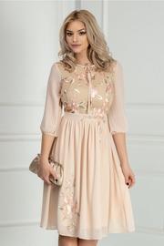 rochie scurta cu broderie florala roz