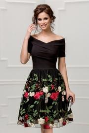 rochie scurta neagra de seara cu broderie florala
