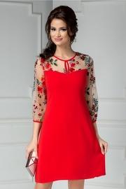 rochie scurta rosie cu maneci brodate