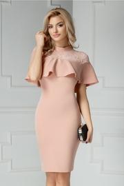 rochie scurta roz pudra cu dantela